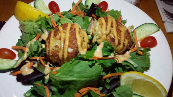 crabcake-two-salad